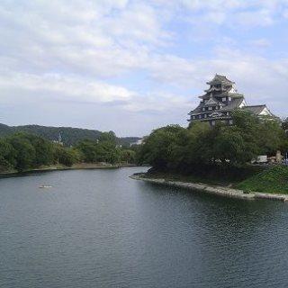 岡山城 と 後楽園 と 旭川.jpg